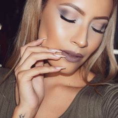 Cool tones Used the new @urbandecaycosmetics NakedSmoky palette on eyes & @anastasiabeverlyhills new liquid lipstick in sepia on lips