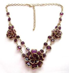 VINTAGE GOLD TONE DEEP PURPLE ACRYLIC CRYSTAL FLORAL FLOWER STATEMENT NECKLACE