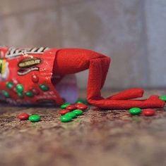 200 Best Elf on the Shelf Ideas - Page 2 of 2 - Prudent Penny Pincher Christmas Treats For Gifts, Christmas Elf, Preschool Christmas Crafts, Elf Magic, Buddy The Elf, Christmas Traditions, Elf Of The Shelf, Holiday Fun, Julio Jones