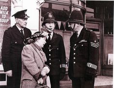Cyril Chamberlain, Esma Cannon, Kenneth WIlliams & Sid James in Carry On Constable