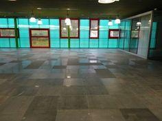 Suelo técnico acabado cerámico Industrial, Tile Floor, Flooring, Office Furniture, Offices, Industrial Music, Tile Flooring, Wood Flooring, Floor