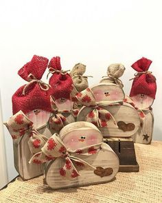 Amazing new architecture and design ideas valentines day home decoration 29 – fugar Christmas Wood Crafts, Christmas Projects, Holiday Crafts, Christmas Crafts, Christmas Ornaments, Valentines Day Decorations, Valentine Crafts, Christmas Decorations, Valentine Heart
