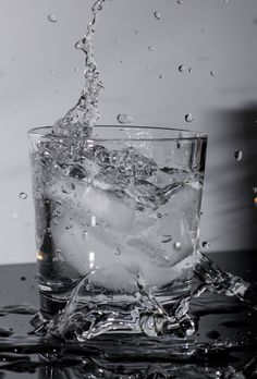 Ice cube splash