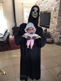 Child's Alien Abduction Costume Becomes Adult Grim Streaker Boxing Halloween Costume, Disney Halloween Costumes, Halloween Costume Contest, Halloween Cosplay, Girl Costumes, Girl Alien Costume, Halloween Ideas, Costume Ideas, Halloween Apples
