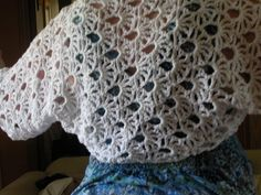 Boleros Maui Shrug Free Crochet Lace Pattern - Crochet lace has gotten quite a revival as it's moved beyond the collar and doily. Here are 10 patterns that deserve a look, and they're all free! Free Lace Crochet Patterns, Crochet Shrug Pattern, Crochet Lace Edging, Crochet Coat, Lace Patterns, Thread Crochet, Free Crochet, Free Pattern, Crochet Stitches
