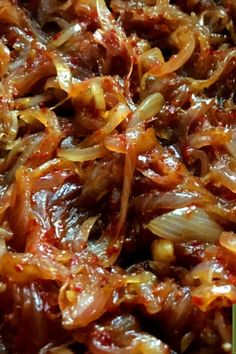 How to make the best deviled beef recipe in Sri Lankan style? Easy & tasty beef fry with onions and banana pepper. World Recipes, Meat Recipes, Indian Food Recipes, Vegetarian Recipes, Sambal Sauce Recipe, Vegan Gains, South Korean Food, Sri Lankan Recipes, Food Photography Tips