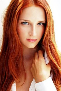 The stereotype is that all redheads have a fiery temper. but that doesn't hold true for all redheads. One of the most beautiful hair colo. I Love Redheads, Redheads Freckles, Hottest Redheads, Beautiful Red Hair, Gorgeous Redhead, Pretty Hair, Shades Of Red Hair, Red Hair Woman, Ginger Girls