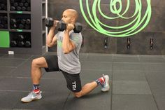 This 17-minute, full-body dumbbell HIIT workout from Farouk Houssein, an instructor at The Fhitting Room in New York City, is seriously efficient. See for yourself! Full Body Hiit Workout, Workout Routine For Men, Barre Workout, Dumbbell Workout, Workout Men, Bikini Competition Prep, Fitness Competition, Muscle Fitness, Men's Fitness