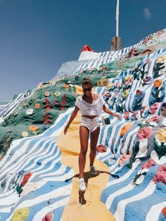 Travel What You Should Know For A Great Trip. You may be in the position of worrying about how to plan out your next trip properly. Know that your trip need not be stressful. The traveling tips in this Places To Travel, Places To See, Travel Destinations, Foto Top, Top Photo, Salvation Mountain, Photo Portrait, Travel Aesthetic, Summer Aesthetic