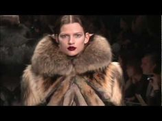 Watch Viktor & Rolf ➤ Fall/Winter 2012/2013 (Full HD)    http://www.youtube.com/watch?v=T0XNdJpvTT0=related#