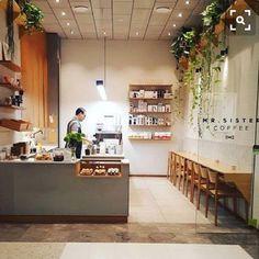 Small coffee shop design small cafe interior design ideas photos of Small Coffee Shop, Coffee Store, Coffee Shop Design, Coffee Shop Bar, Café Design, Plant Design, Design Ideas, Designs, Mini Cafe