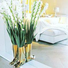 Het Arsenaal | Jan des Bouvrie | Gouden Laarzen ♡| #hetarsenaal #jandesbouvrie #interieur #wooninspiratie #goudenlaarzen #luxury #gold Picture:@sw_interior