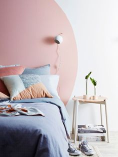 Circular painted headboard - Add a picture shelf Interior, Home, Home Bedroom, Bedroom Interior, Room Inspiration, Painted Headboard, House Interior, Home Deco, Bedroom Wall