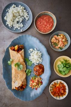 An easy vegan recipe from Jamie Oliver. Dosa is like a crispy beautiful pancake … A simple vegan recipe from Jamie Oliver. Dosa is like a crispy-beautiful pancake, filled with delicious spice fillings. A great brunch recipe. Jamie Oliver, Vegan Recipes Easy, Indian Food Recipes, Ethnic Recipes, Indian Vegetarian Recipes, Free Recipes, Vegetarian Cooking, What's Cooking, Clean Recipes