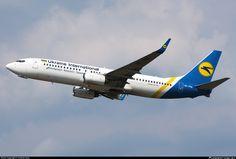 UR-PSN Ukraine International Airlines Boeing 737-86N(WL)
