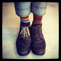 Falling Brown by Oybō: 1 pair, 2 different socks.