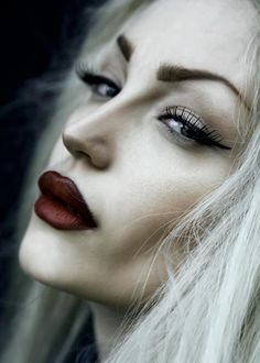 Very Vampy - Heavily contoured makeup with dark lips a d strong brows - Make-up Ideas