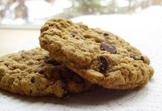 Bakery-Style Oatmeal Chocolate Chip Cookies - Vegan and Gluten-Free   *[tried and true by us 11/30/13]