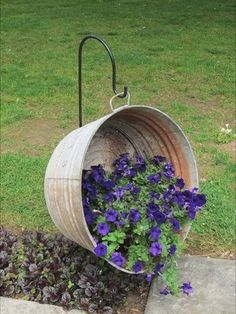 Flower container