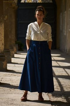 Ladies, stand out of the crowd with brands like mediterranean manufactures Scarti Lab, finest knitwear from Tuscany by G. or Red Wing Boots. Red Wing Boots, Knitwear, Midi Skirt, Lady, Skirts, Collection, Fashion, Moda, Tricot