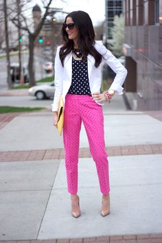 How To Wear Pink Blazer Color Combos Ideas Pink Pants Outfit, Hot Pink Pants, White Pants, Pink Jeans, Work Fashion, Fashion Outfits, Womens Fashion, Fashion Trends, Fashion Fashion