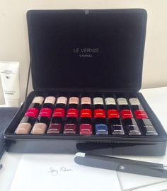 *breaks open the Chanel case* #levernischanel  (at Malcolm Ryan Studios)
