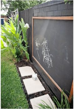 51 Budget Backyard DIYs That Are Borderline Genius - - Can't afford that dream deck or in-ground pool you're dying for? There are still ways to get a beautiful backyard that's perfect for entertaining. Backyard Play Spaces, Outdoor Play Spaces, Cozy Backyard, Small Backyard Landscaping, Modern Backyard, Backyard For Kids, Backyard Projects, Landscaping Ideas, Decorative Garden Fencing