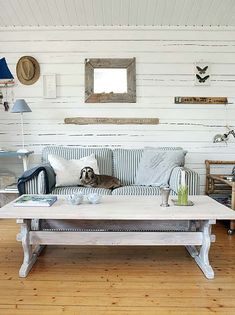 5 Ways to Get Instant Beach House Style You can live miles from the beach but still get the look with just a few essential ingredie. Beach Cottage Decor, Coastal Cottage, Coastal Style, Coastal Living, Coastal Decor, Home And Living, Living Room, Cottage Living, Living Area