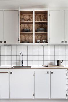 25 beautiful Scandinavian kitchen designs - Decor Around The World Retro Home Decor, Home Decor Items, Cheap Home Decor, Diy Kitchen Cabinets, Kitchen Dining, Kitchen Decor, Kitchen Tiles, Kitchen Furniture, Scandinavian Kitchen