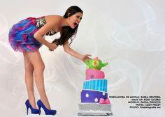 <3 cake photoshoot