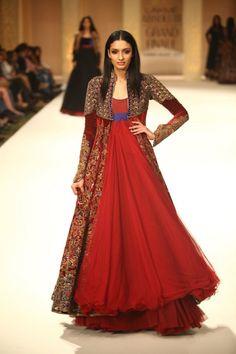 RUNWAY LOOK: Anarkali by Rohit Bal
