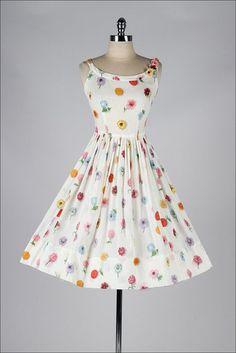 vintage 1950s dress . white floral print