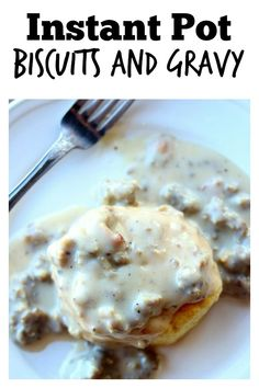 Instant Pot Sausage Gravy–country style gravy made with ground sausage and diced bacon is infused with flavors as it is quickly pressure cooked. When served over freshly baked biscuits (homemade or from a can) it tastes like a good old fashioned southern Sausage Breakfast, Best Breakfast, Breakfast Recipes, Southern Breakfast, Breakfast Ideas, Breakfast Casserole, Breakfast Bake, Instant Pot Pressure Cooker, Pressure Cooker Recipes