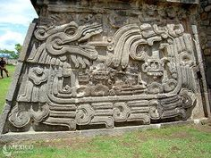 Ixchel Aztec Architecture, Feathered Serpent, Aztec Culture, Riviera Maya Mexico, Aztec Art, Unique Buildings, Inca, Beautiful Sites, Mayan Ruins