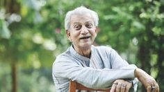 Renowned actor Prabir Mitra has worked in over 400 films in his career, over the past decades. The 80-year-old veteran artiste now spends most of his time at home.