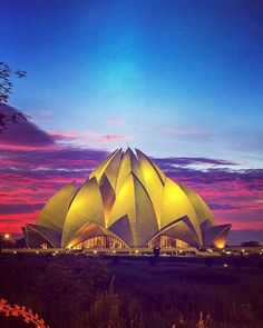 """by @dfordelhi #LotusTemple #IncredibleIndia The Baha'i temple of faith - Lotus Temple Delhi.. It looks like a half opened Lotus flower with 27 freestanding """"petals"""" made of marble. The architect while designing the temple took into account the eternal beauty of Lotus flower. The construction work took almost 10 years before it finally got shape and was open for public. The team comprised of 800 engineers technicians workers and artisans who worked diligently to give realization to one of the…"""