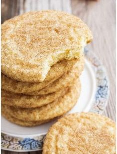 This easy, classic Snickerdoodles recipe yields soft and chewy cookies with crispy, sugary tops. Recipe for Snickerdoodles without cream of tartar included. (recipe for snickerdoodles sugar) Easy Cookie Recipes, Baking Recipes, Dessert Recipes, Cookies Et Biscuits, Chip Cookies, Sugar Cookies, Ginger Cookies, Baking Cookies, Cake Topper Banner