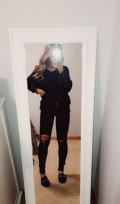 81 fantastic School outfit ideas you cant miss Cute Lazy Outfits, Trendy Outfits, Cool Outfits, Teen Fashion Outfits, Outfits For Teens, Summer School Outfits, Lazy School Outfit, Teenager Outfits, Fall Winter Outfits