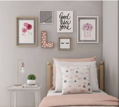 If you want to learn how to live like a minimalist, check out these ideas about minimalist bedroom decor, home decoration and living simple. Source by Dream Bedroom, Bedroom Wall, Girls Bedroom, Teen Bedroom Colors, My Room, Girl Room, Diy Home Decor Bedroom, Bedroom Ideas, Bedroom Designs
