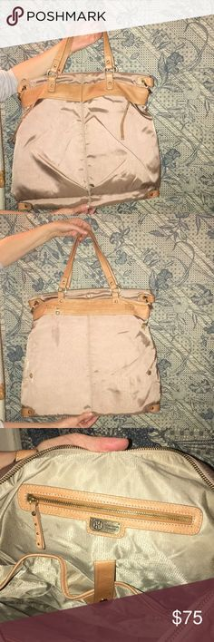 Like new water resistant travel bag Barely used, great condition tote bag Hayden Harnett Bags Totes