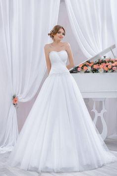 "Wedding dress by Belleza e Lusso. Collection ""Piano"" / Свадебное платье от Belleza e Lusso. One Shoulder Wedding Dress, Evening Dresses, Wedding Dresses, Piano, Collection, Design, Fashion, Atelier, Moda"