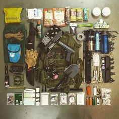 Bug out bag load out. Click to download our bug out bag guide! #bugoutbag #prepper #shtf
