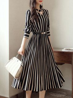 Round Neck Cutout Vertical Striped Belt Midi Skater Dress - Women's style: Patterns of sustainability Stylish Dresses, Casual Dresses, Dresses For Work, Sexy Dresses, Summer Dresses, Short Dresses, Simple Dresses, Ruffled Dresses, Elegant Midi Dresses