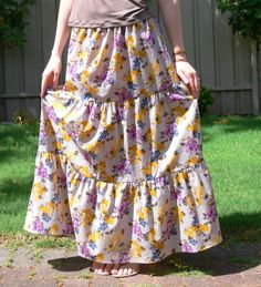 I've made half a dozen skirts using this no pattern pattern - easy, cute, even for someone who hasn't sewn much!