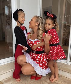 Tammy Hembrow, Twin Boys, Family Goals, Mom And Baby, Classy Outfits, Wall Collage, Happy Halloween, Boy Or Girl, Twins
