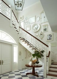 Staircase wall is often a cold corner overlooked by homeowners. But with a little creativity, your staircase wall can be transformed from an ignored area to an attractive focal point. The staircase wall is just like a blank canvas and you can displa Balustrades, Stair Walls, Stair Railing, Railings, Banisters, Railing Ideas, Painted Banister, Black Railing, Stair Steps