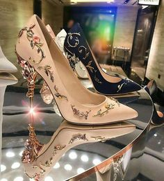 Each piece is designed and hand made only for you. Ornamental Luxury The Ensa Shoes ideal for parties, gala, prom and weddings. Fancy Shoes, Pretty Shoes, Beautiful Shoes, Cute Shoes, Beautiful Women, Sparkly Wedding Shoes, Wedding Shoes Heels, Bridal Shoes, Shoes For Prom