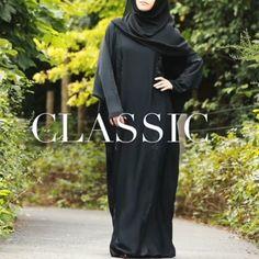 Nothing is more beautiful than a Classic Black abaya Hijab Fashion Summer, Niqab Fashion, Muslim Fashion, Islamic Fashion, Arab Girls Hijab, Muslim Girls, Muslim Women, Wisdom Quotes, Quotes Quotes