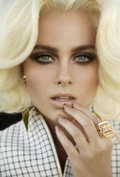Blonde and smokey eye #makeup #reference
