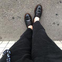 天気が不安定  #trickers  #trickersshoes  #tomorrowland  #靴バカドットコム  #靴バカ #足元クラブ  #足元くら部  #あしもと倶楽部  #薄化粧推進派 Men Dress, Dress Shoes, Chanel Ballet Flats, Oxford Shoes, Loafers, Fashion, Style, Travel Shoes, Moda